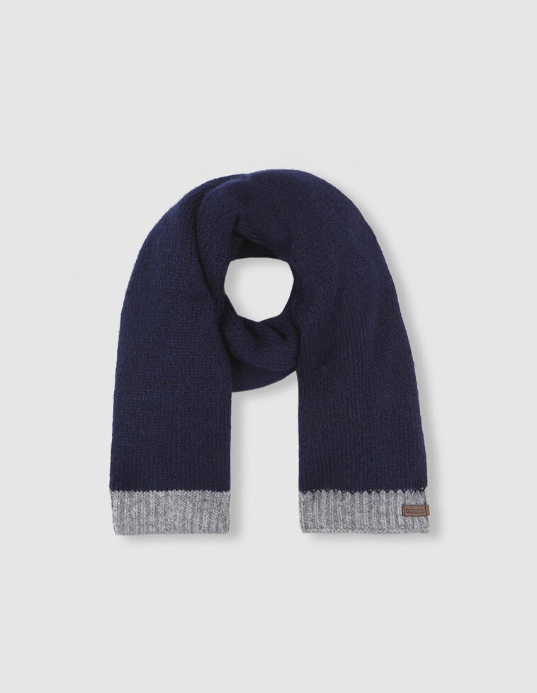Bufanda azul contrastes